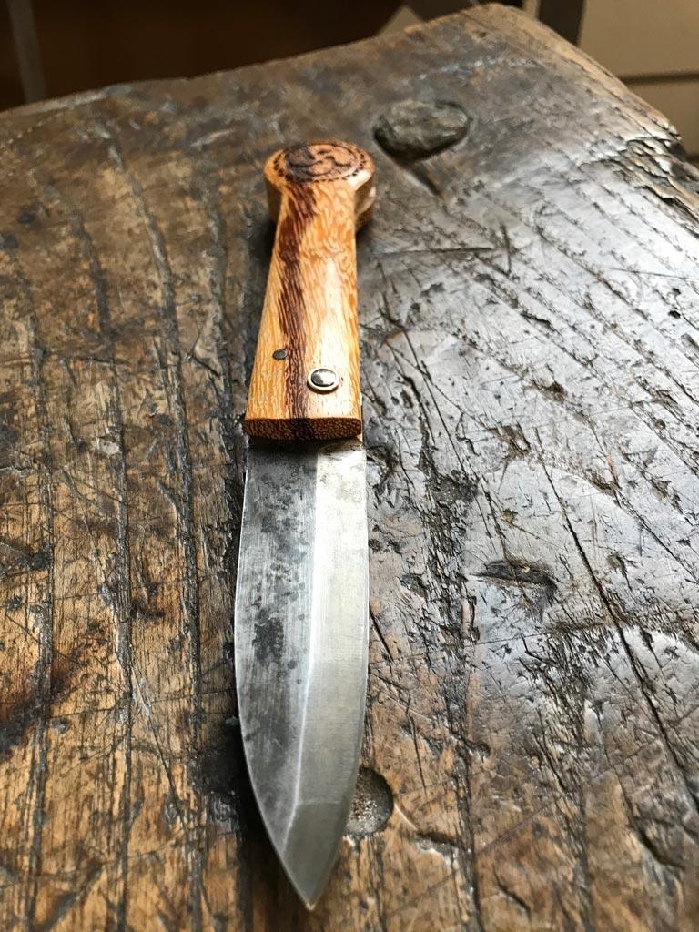 lames de sames couteaux coutellerie anglet. Black Bedroom Furniture Sets. Home Design Ideas