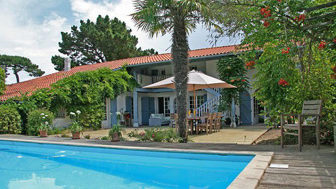 Maisons du sud ouest locations de prestige locations - Location maison sud ouest piscine ...