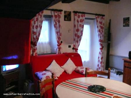 g te berretechia g tes et meubl s locations de vacances sainte engr ce. Black Bedroom Furniture Sets. Home Design Ideas