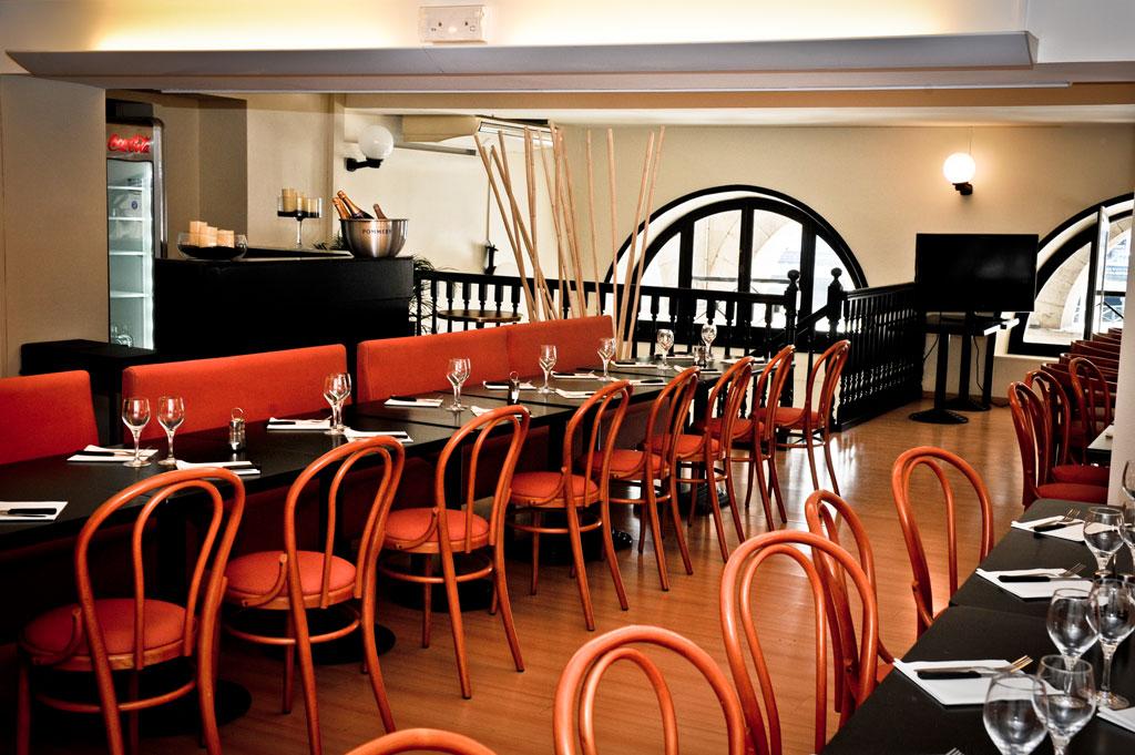 caf du th tre restaurants bayonne. Black Bedroom Furniture Sets. Home Design Ideas
