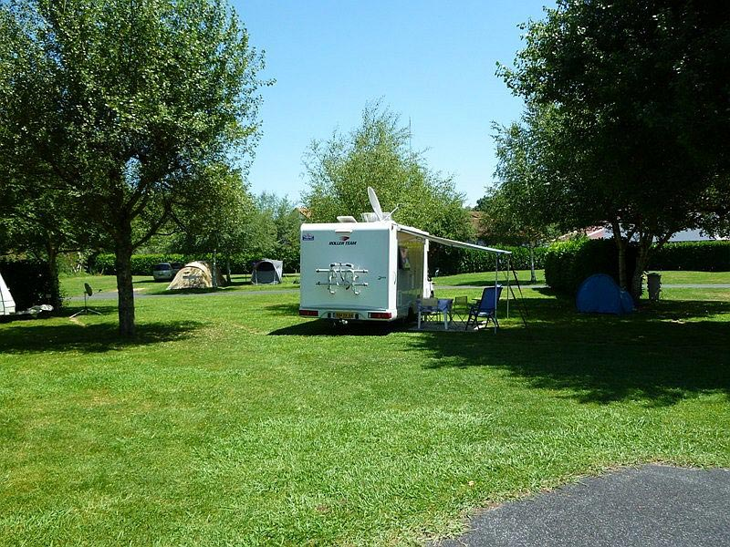 camping municipal irouleguy campings mobil homes saint tienne de ba gorry. Black Bedroom Furniture Sets. Home Design Ideas