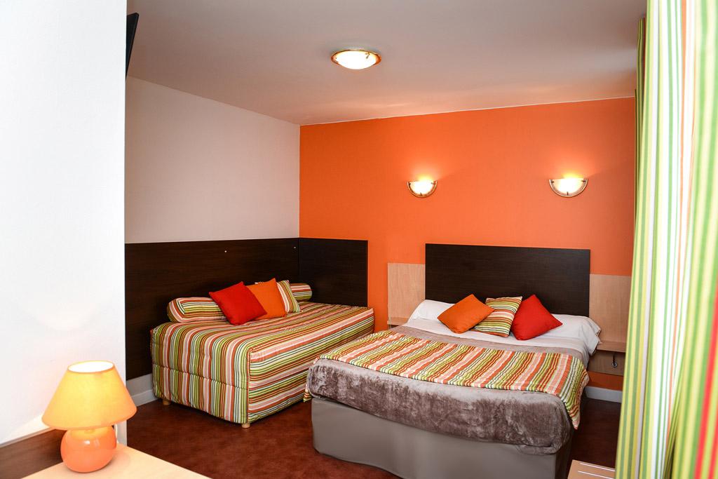 h tel andreinia larramendy h tels saint jean pied de port. Black Bedroom Furniture Sets. Home Design Ideas