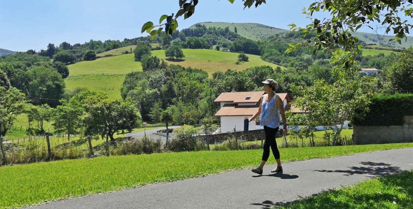 Camping Aire Ona: green and calm to discover the Basque Country at your own pace