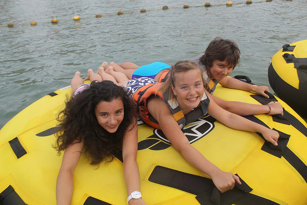Sportmers towed buoys