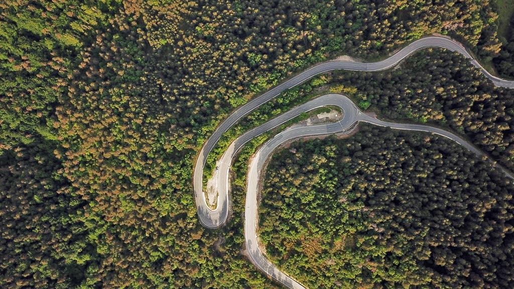 Winding road near Zubiri
