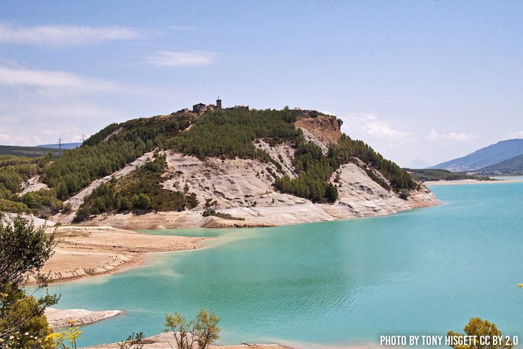 Lago de yesa